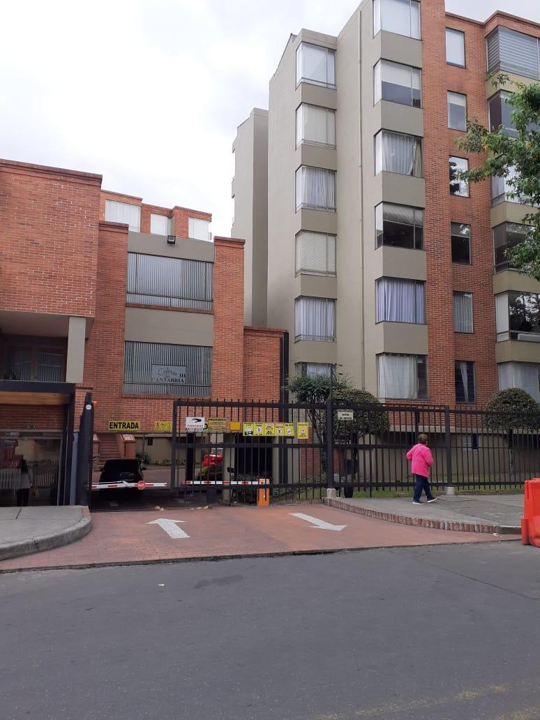 APARTAMENTO COLINA CANTABRIA 6 ETAPA Apartamento en Arriendo en Bogotá Norte